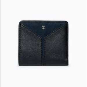 Stella and Dot Covet Wallet